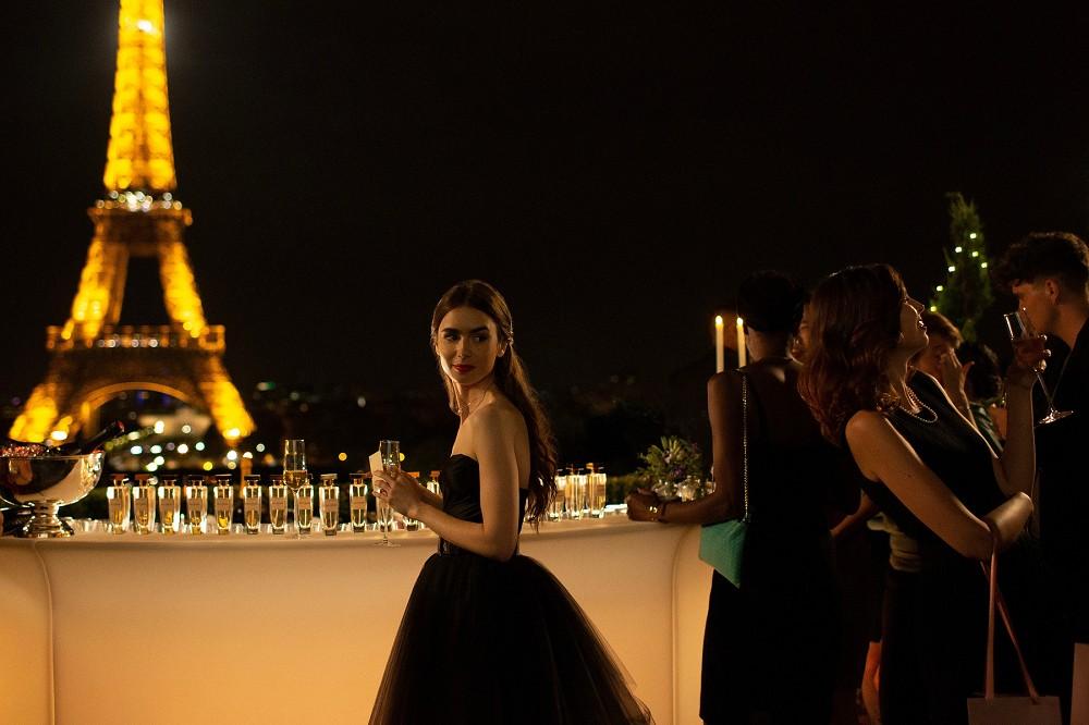 《艾蜜莉在巴黎》服裝造型