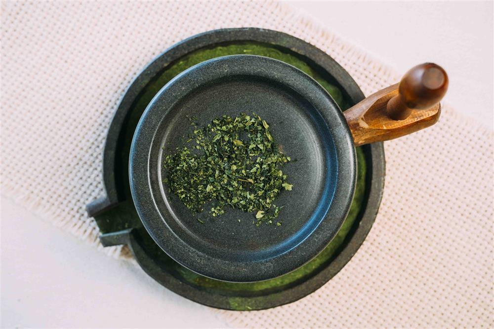 「京都石臼慢磨抹茶」-璞韻日本煎茶堅持只用日式傳統茶道中最高象徵的「石臼抹茶」