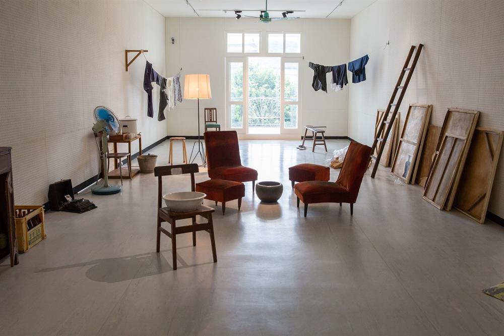 未完成,黃華成」「大台北畫派一九六六秋展」展場照,2020,臺北市立美術館提供。