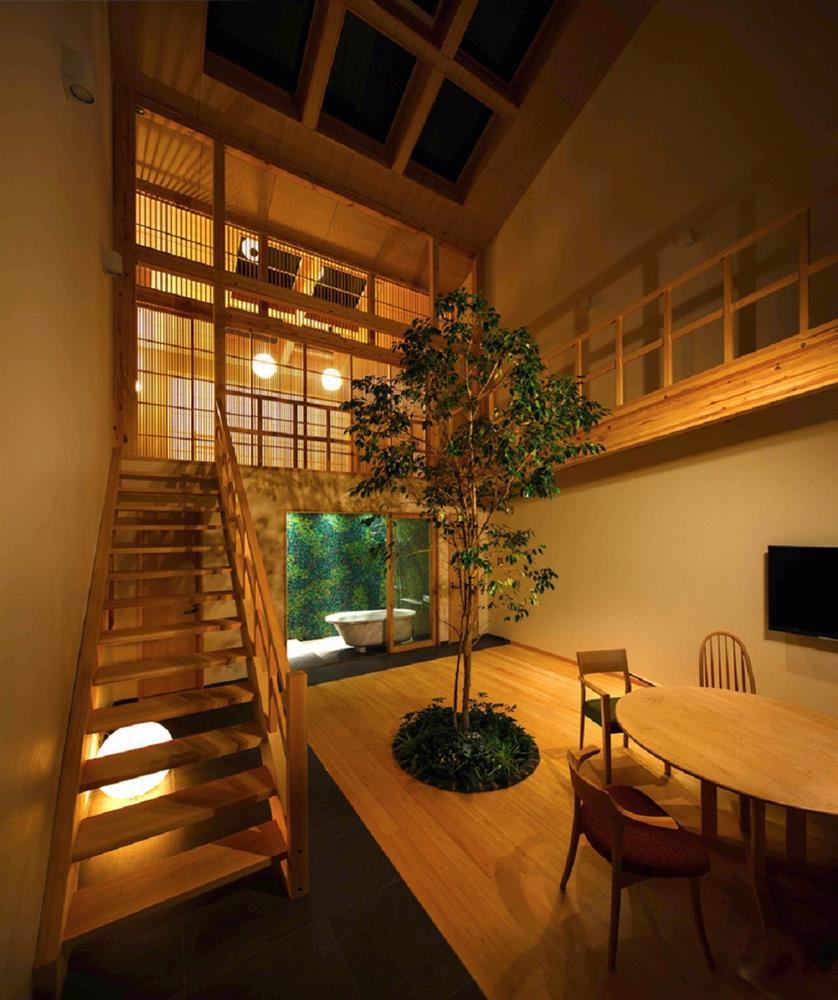 將庭院綠樹搬進家中!京都木質設計住宅 融合日式傳統與現代建築美學_11