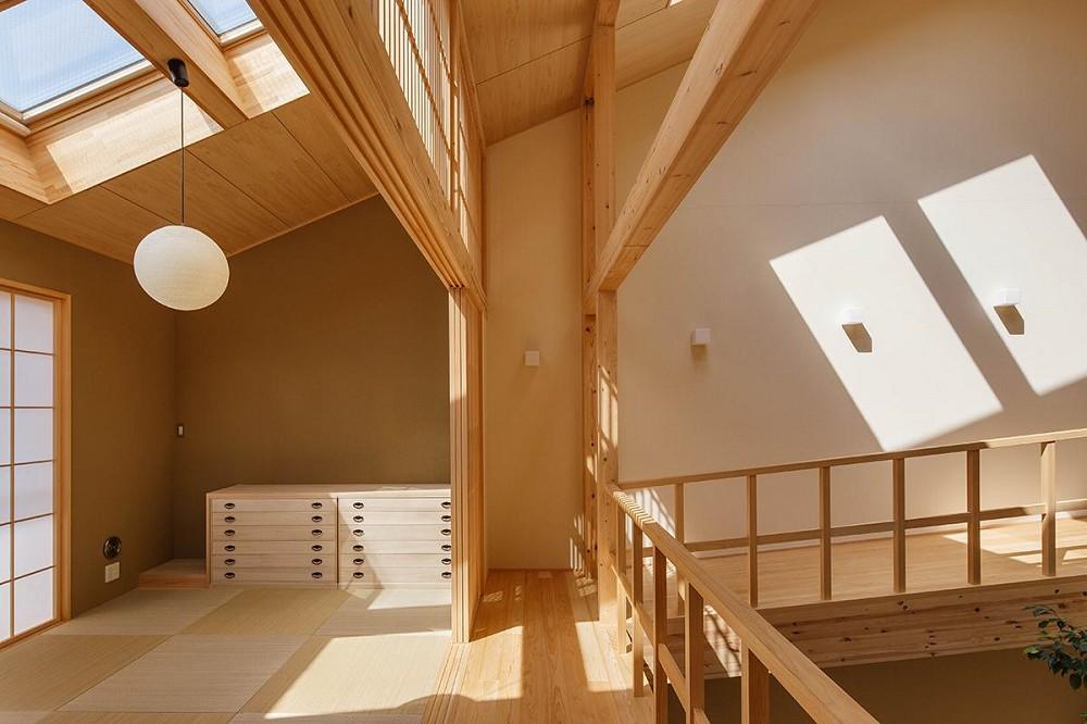 將庭院綠樹搬進家中!京都木質設計住宅 融合日式傳統與現代建築美學_12