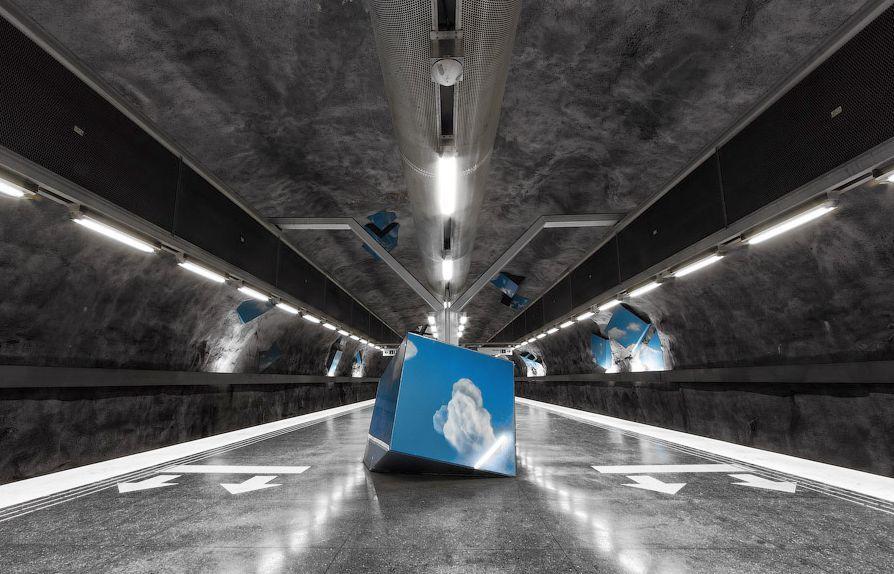 全球最美藝術地鐵-瑞典斯德哥爾摩地鐵打造「奇幻洞穴」般地下藝術殿堂2
