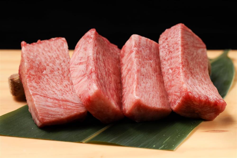 樂軒旗下全新時尚燒肉品牌YKNK club  進駐遠百信義A13