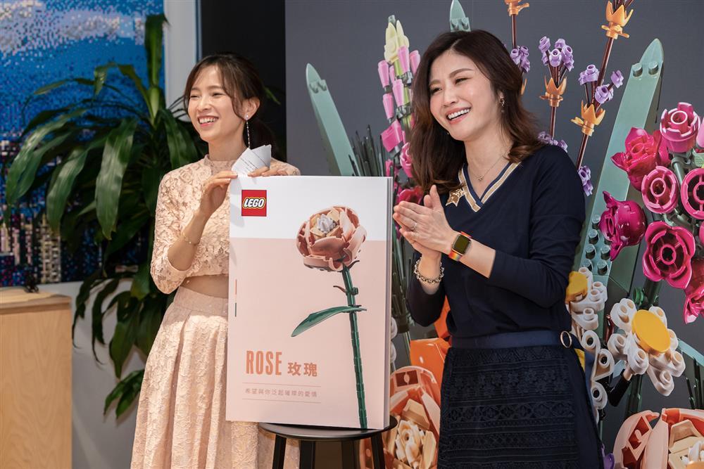 台灣樂高邀請星座專家與各品牌小編分享開運秘訣,並由花藝老師帶領小編體驗拼砌