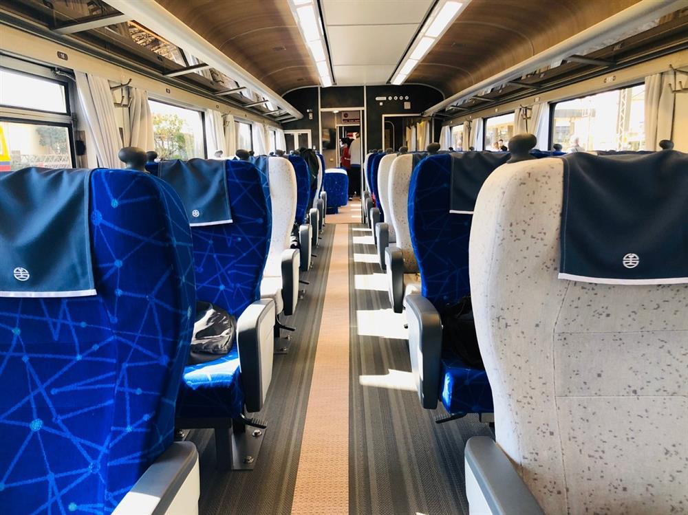 揭開全新台鐵環島觀光列車設計-柏成設計