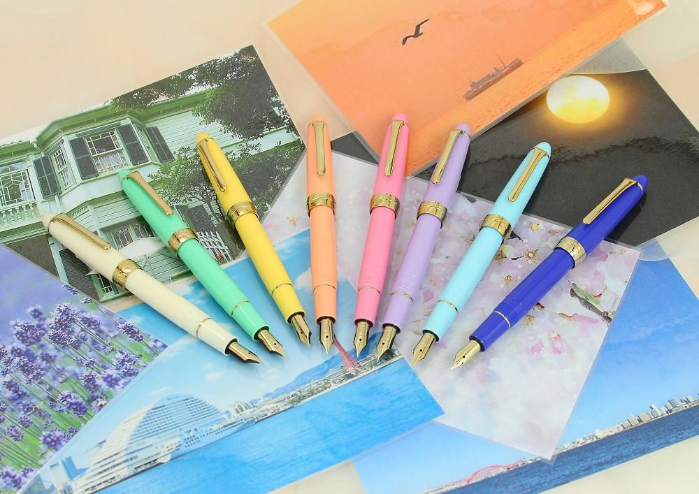 日本NAGASAWA神戶專屬色鋼筆以神戶水藍、離宮月光黃、布引薰衣草等神戶獨有色彩做為鋼筆色,定價2,940元|誠品書店