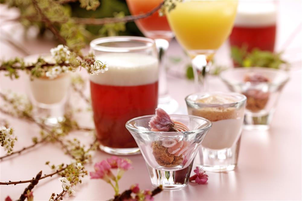 櫻花提拉米蘇、香橙沙瓦、鹽香奶霜葡萄