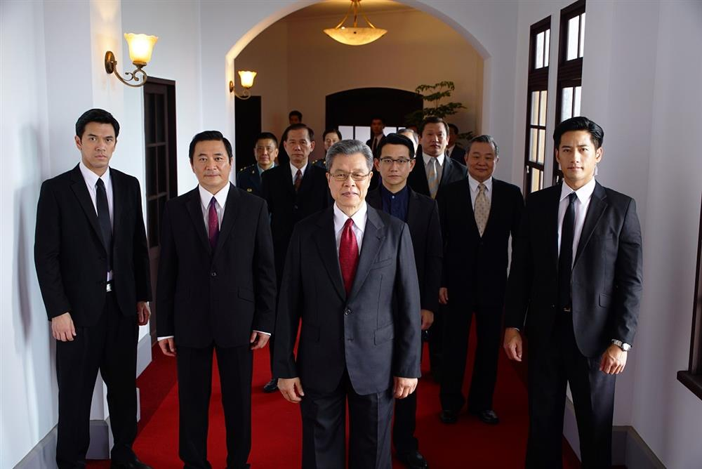 演員(左至右):李愷承、湯志偉、楊烈、陳家逵、鐘倫理、周孝安