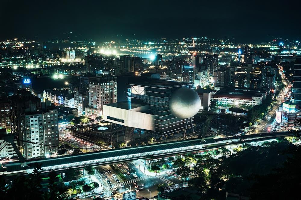 臺北表演藝術中心(夜景)