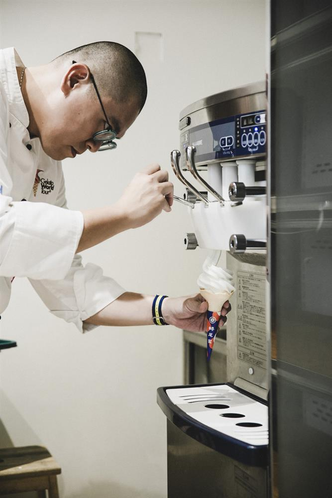 華人冰王蜷尾家睽違五年,2020年夏季台北店再創冰淇淋朝聖浪潮_製作過程3