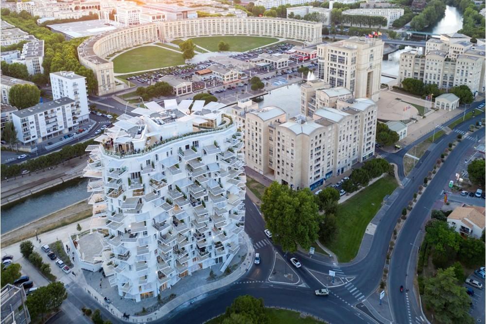 藤本壯介打造南法「白樹」綠意建築!不規則陽台如大樹般開枝散葉