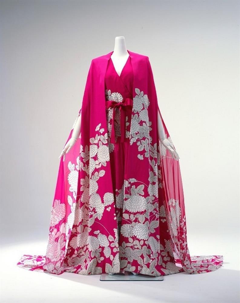 蝴蝶夫人」森英惠於60年代將和服美學帶到國際。