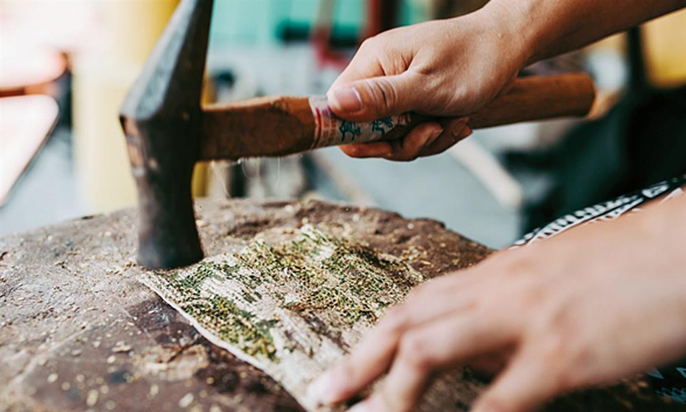 阿美族樹皮衣工藝