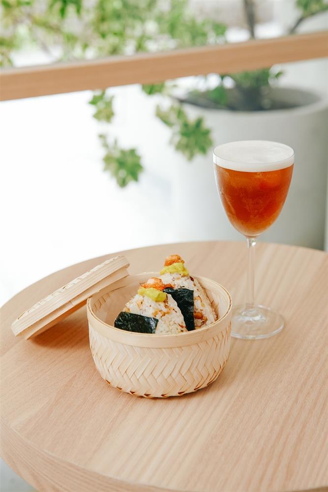 (二)堅果酪梨鮮蝦飯糰