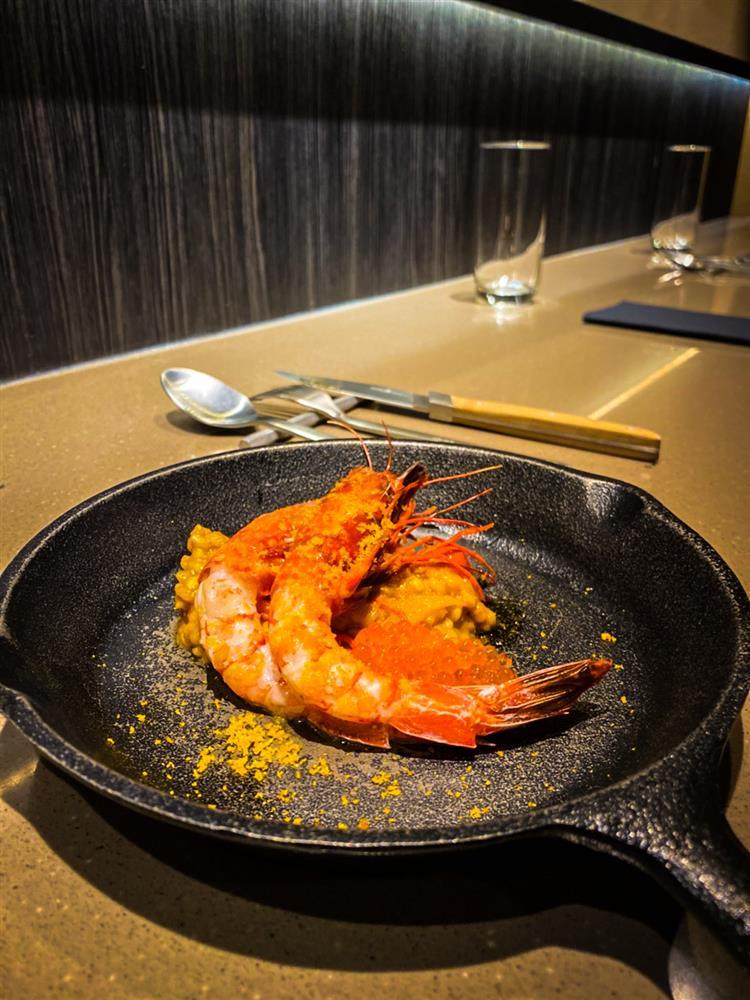 芝山巷弄內的無菜單直火餐館FirePlay!胭脂蝦、酥脆烤薩索雞 新加坡主廚Nick燒出極致創意