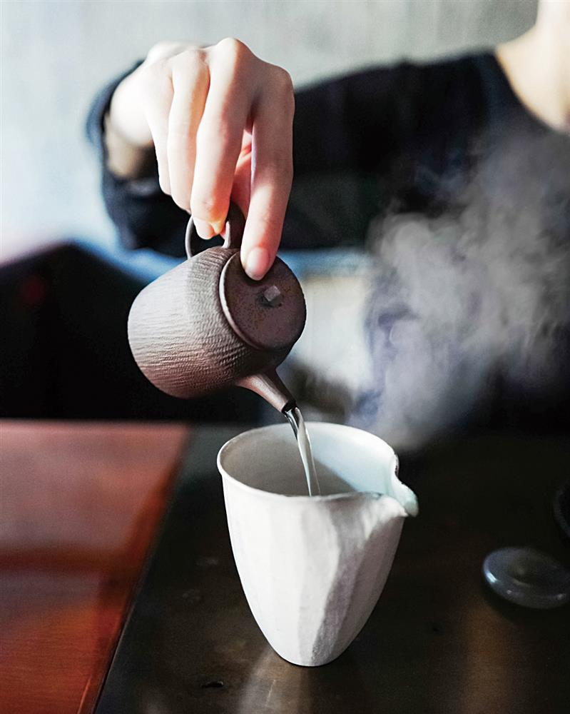 為了品嚐出茶的最佳風味,泡茶程序需要十分講究,分毫不差。