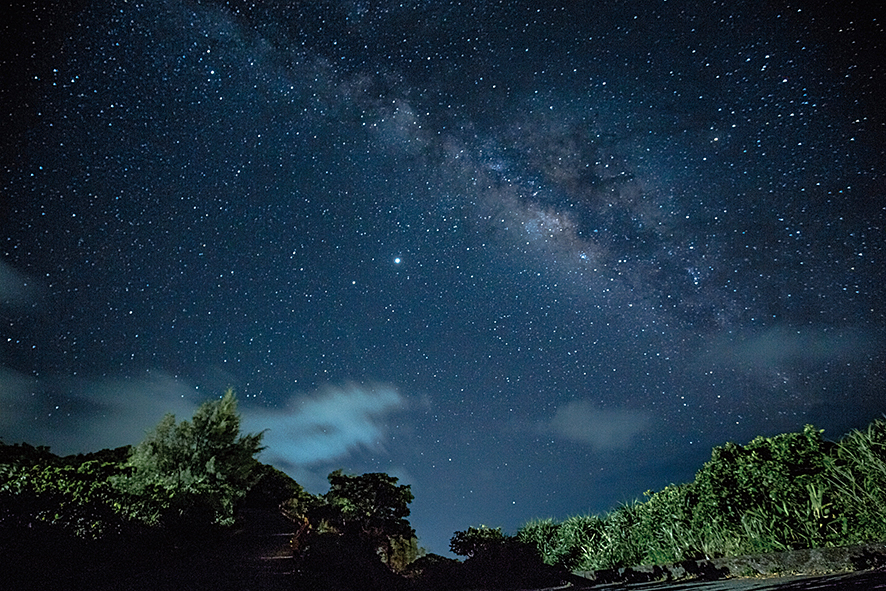 達悟族語沒有「星星」這個字,他們說那是「天空的眼睛」。