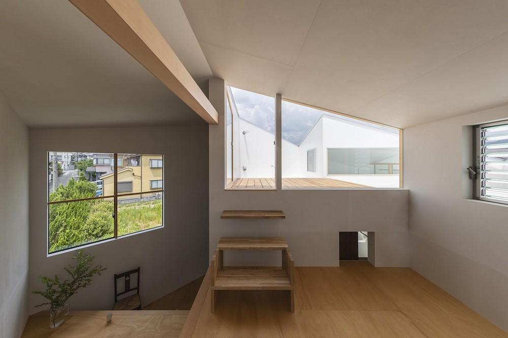 3層樓高卻有16層空間!大阪「高槻の住居」設計住宅_14