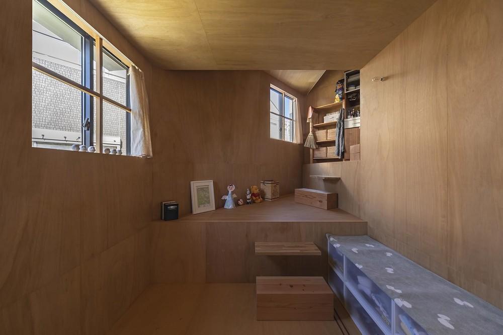 3層樓高卻有16層空間!大阪「高槻の住居」設計住宅_13