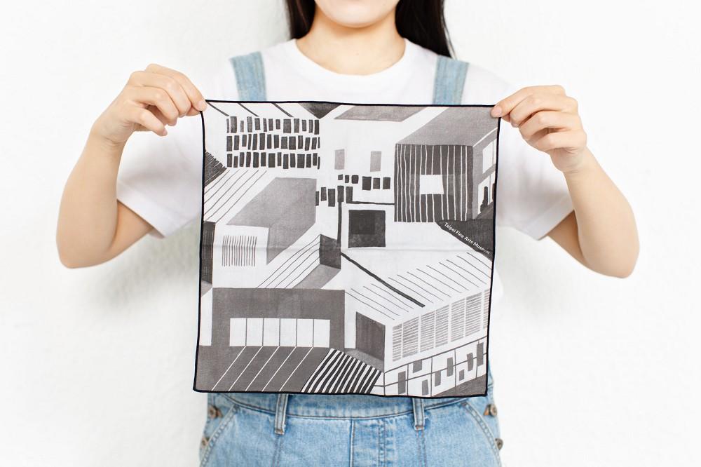 04_「藏一隅」北美館手帕:款式1「館內框景」