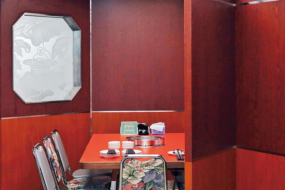 「本事空間製作所」與「隱室設計」的餐廳空間設計學!