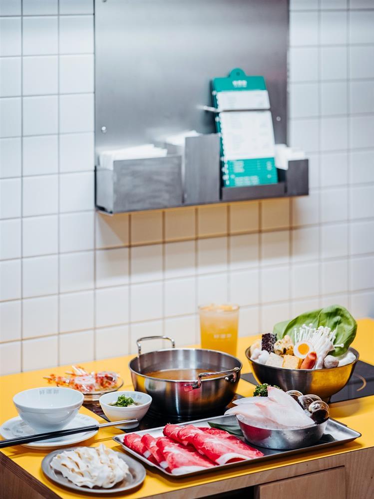 1湯頭濃郁「石頭火鍋湯」與「對自己好」主餐升級_(2)