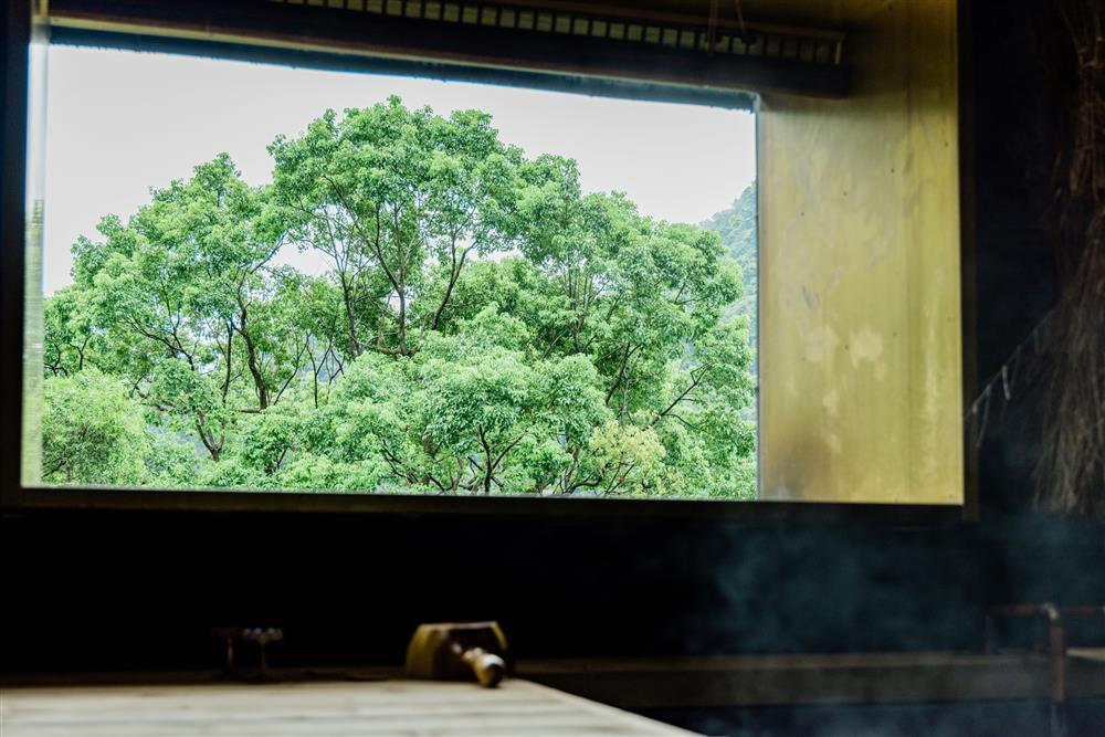 新北烏來泡湯新選擇「馥森阪治Trio」!揉合泰雅族文化、永續概念的秘境之湯