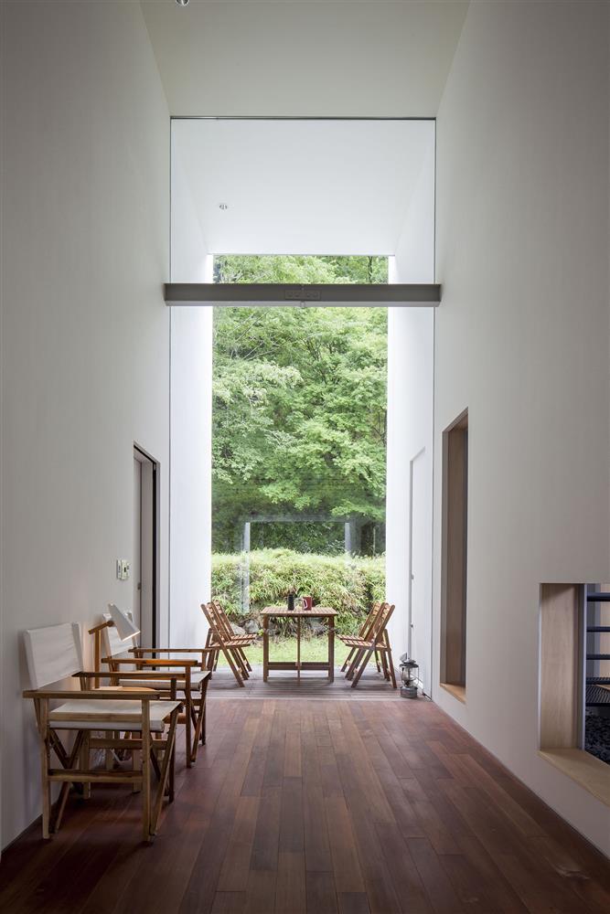 日本設計別墅!「山中第二個家」用7個長型空間收納蓊鬱山色06