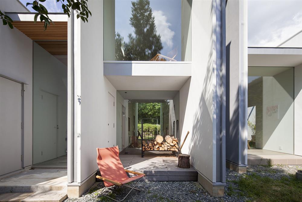 日本設計別墅!「山中第二個家」用7個長型空間收納蓊鬱山色03