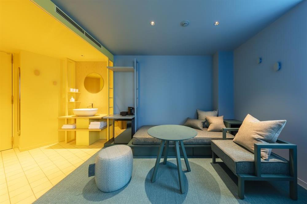 Pantone2021年度代表色「東京toggle hotel」!搭配如色票房型的視覺饗宴9