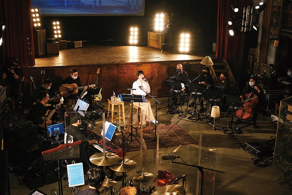 3劉若英回歸初衷來到古董級戲院開唱
