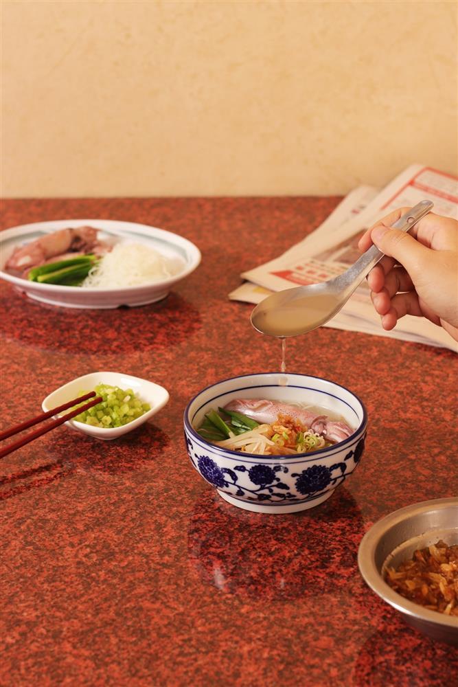 4.花蓮館-小卷雞湯米粉