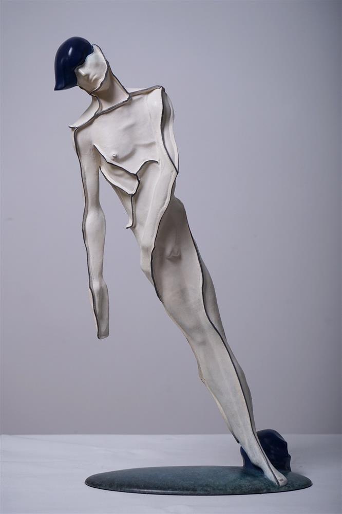 4_藝時代畫廊_王立偉_傾(在台灣首度發表)_24x12x49cm_鑄銅銅雕_2009