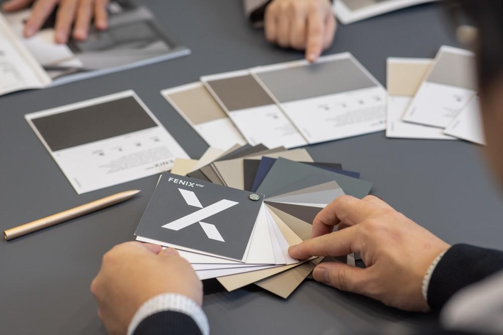為工作空間大大提升舒適度與美感 友善人體的新科技材質──FENIX