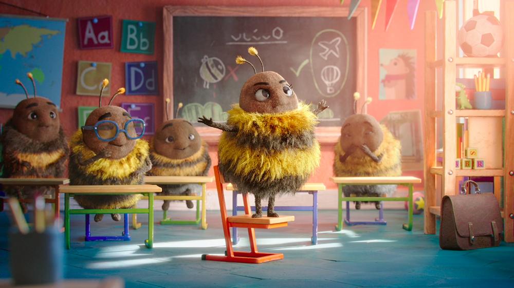 2019暖心聖誕節廣告!不會飛的大黃蜂、不停闖禍的小噴火龍因「愛」