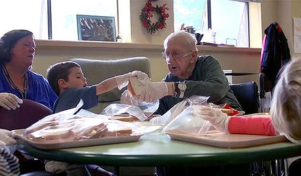 當幼兒園搬進了養老院 彼此都成為了對方最棒的夥伴!