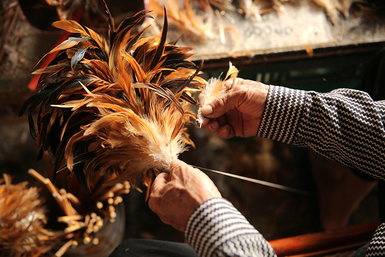 慢工出細活,用傳承超過一甲子的老方法,每天只能製作約20 多支成品。