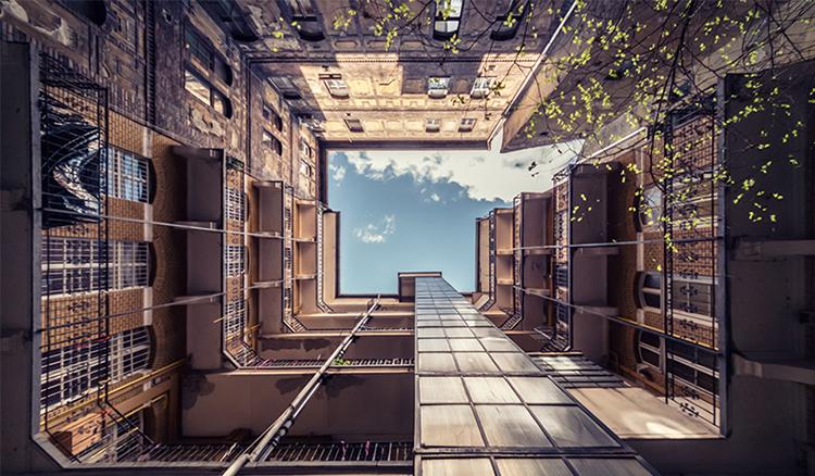 挑戰你的強迫症!Zsolt Hlinka 再次拍下布達佩斯極致對稱之美