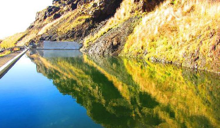 冰島秘境溫泉泳池「Seljavellir Geothermal Pool」4