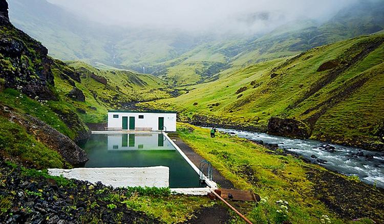 冰島秘境溫泉泳池「Seljavellir Geothermal Pool」6