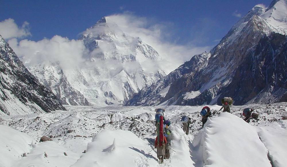 當天堂之門開啟 殺人峰、登山者、和他們的2008年