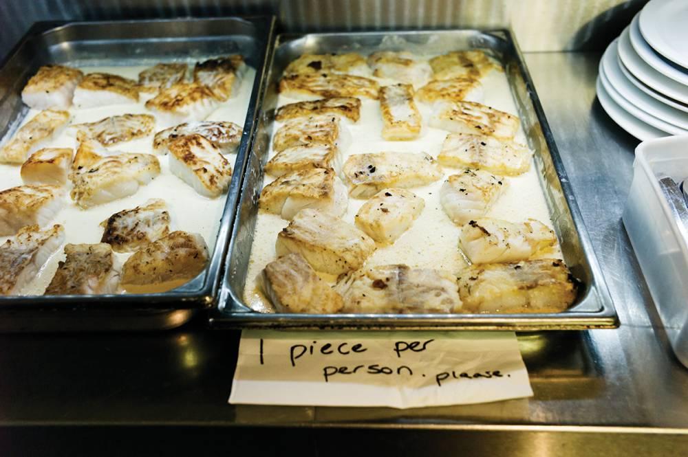 【歡迎光臨打烊餐廳】肥鴨餐廳:米其林三星餐廳的剩料員工餐美學 ─ 蒔蘿奶油烤鱈魚03