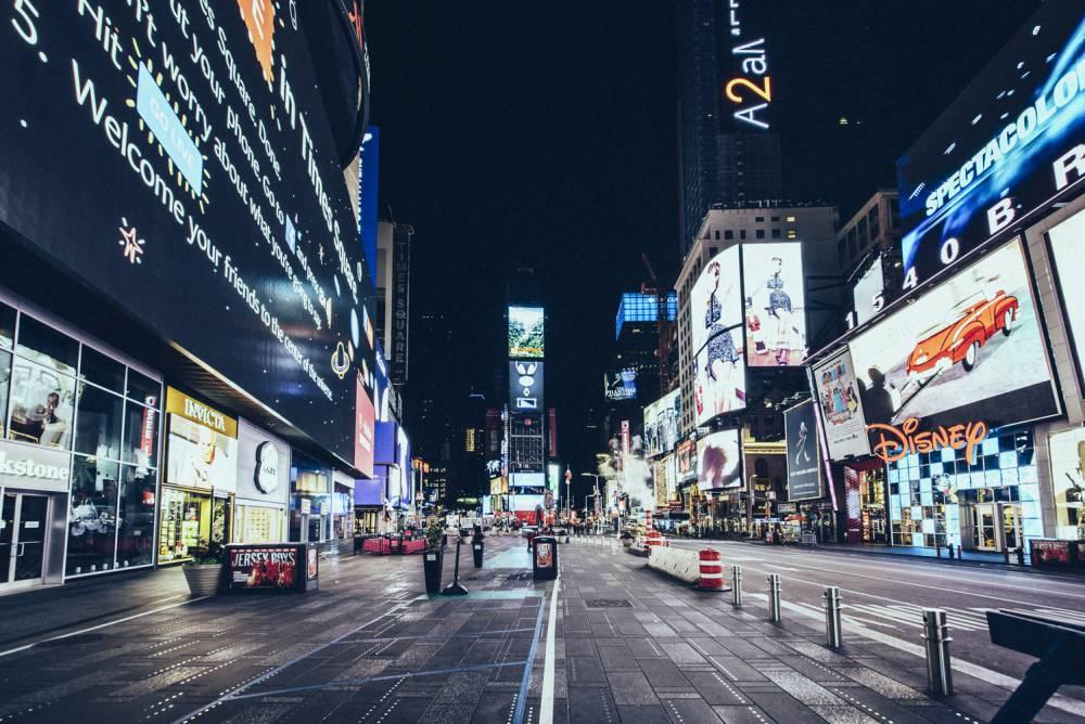 當紐約、米蘭等大都會變身空城ㄅ法國攝影師Genaro Bardy捕捉繁華城市夜晚寂寥