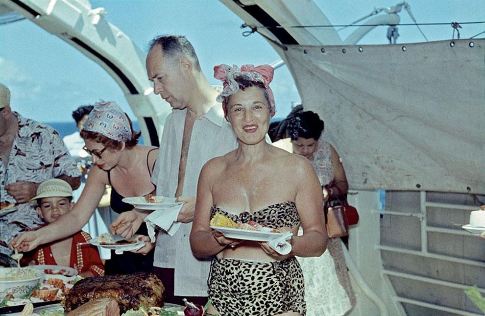 揭密加勒比海上神秘國度!德國傳奇攝影師意外紀錄1954年富饒自由的古巴!_03