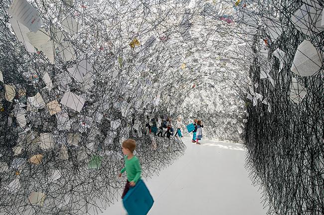 感謝信(2017),羅斯托克美術館,德國。攝影:Fotoagentur Nordlicht。