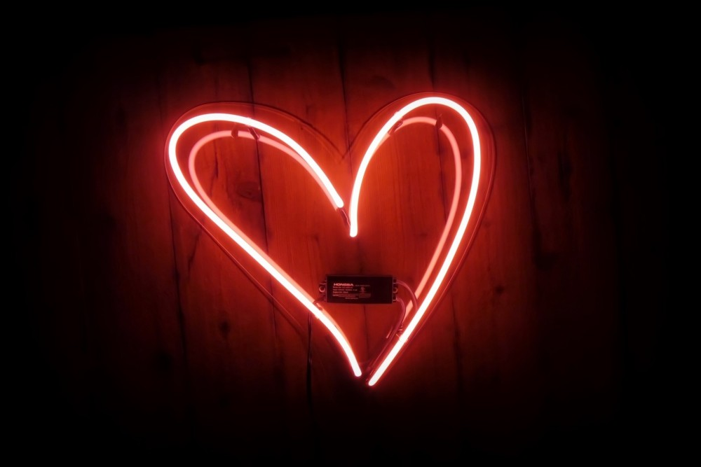 愛心符號如何從心臟轉變而來?揭開主宰現代流行文化的符號意義轉換