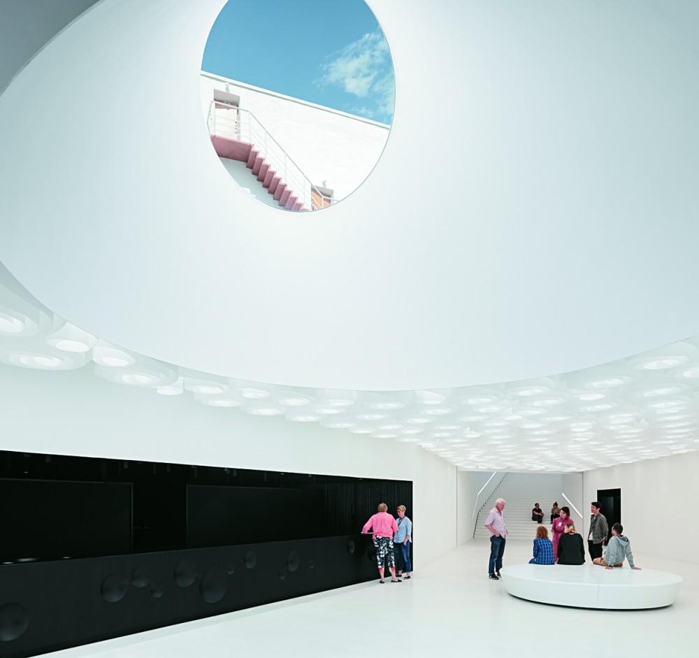芬蘭「Amos Rex」美術館5