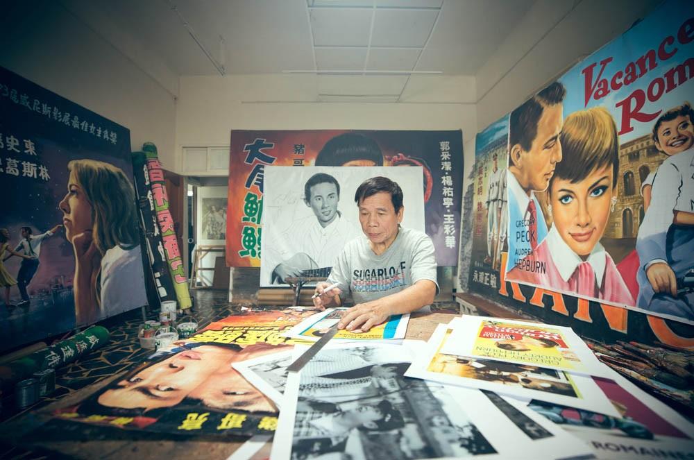 台灣看板畫師謝森山的匠人魂!手繪電影看板一甲子「我的一切都是從電影彩繪而來的」_02