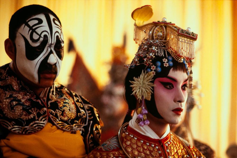 張國榮為戲17小時絕食不卸妝,京劇不用替身演員親自上陣