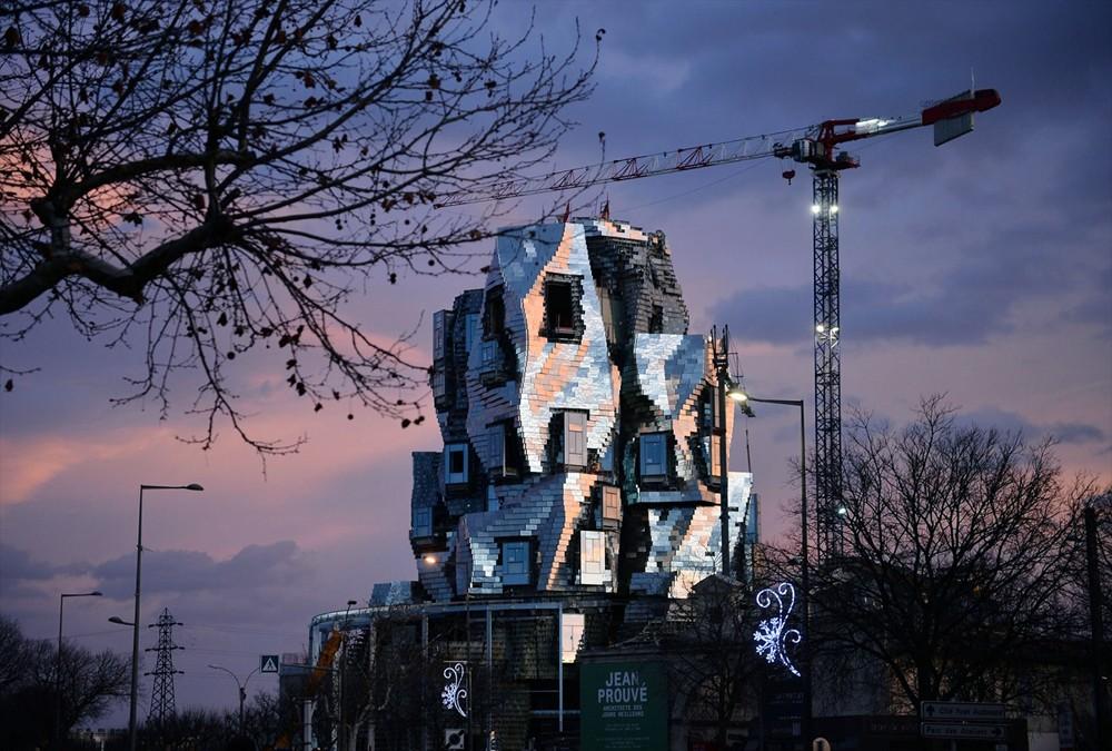 建築大師Frank Gehry打造「LUMA Arles扭曲高塔」亮相南法梵谷之城